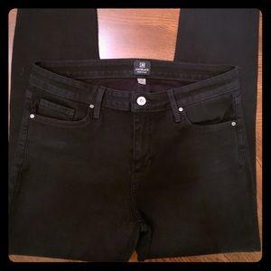 Black ankle length skinny jeans
